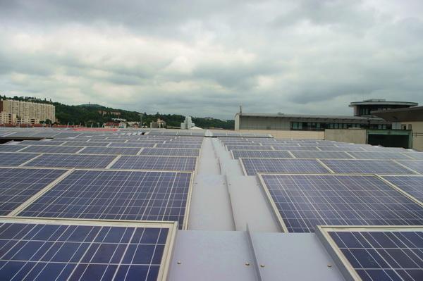 les nombreux avantages de l'autoconsommation de l'électricité photovoltaïque en tertiaire