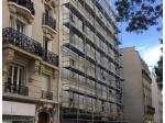 Un immeuble centenaire s'élève de 3 étages à Paris
