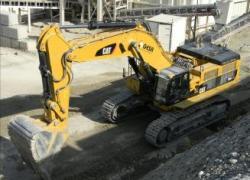 Les engins de chantiers attendent un redémarage de l'activité