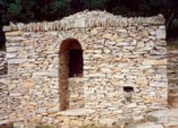 De la pierre sèche pour récupérer l'eau de pluie