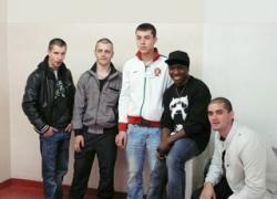 Alternance: cinq jeunes diplômés soliers moquettistes