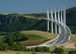 Viaduc de Millau: déjà 30 millions de véhicules !