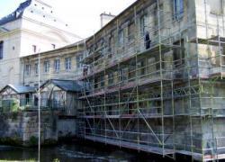 Façade classée à Chantilly : 50 m3 de pierres de taille remplacées