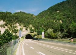 La seconde galerie du tunnel routier du Fréjus est percée