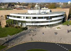 Le nouveau bâtiment de l'université de Pau non conforme