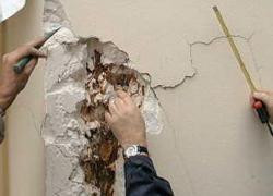 Une reprise d'enduits plâtre en façade… à refaire