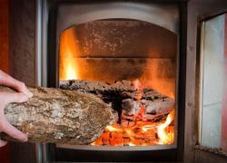 Chauffage bois, un remède contre les coupures de courant ?