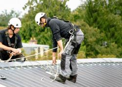 Maintenance: Attila veut régner sur les toits