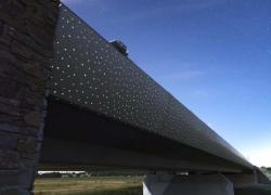 Un béton luminescent sur un pont d'autoroute en Loire-Atlantique