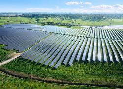 Le producteur d'énergie solaire Neoen se renforce en Amérique latine