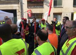 Une manifestation pour défendre un syndicaliste devant le siège de la FFB