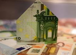 Légère baisse des taux des crédits immobiliers en février