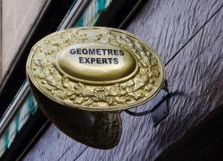 C'est à l'entrepreneur de réclamer la présence du géomètre expert !