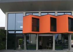 La maison Yrys high-tech au dedans et au-dehors