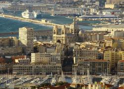 Une manifestation pour la défense d'une place de Marseille dégénère
