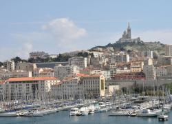 Une barre d'immeuble vétuste et dangereuse à Marseille