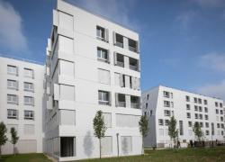 Un grand débat très policé pour Julien Denormandie en banlieue parisienne