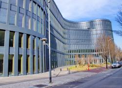 Premier immeuble de bureaux à énergie positive à Issy-les-Moulineaux