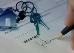 Crédits immobiliers: légère baisse des taux en février