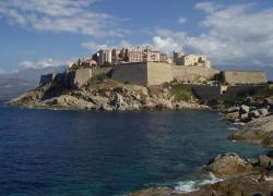 Talamoni propose de taxer les résidences secondaires, sauf pour les Corses