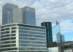 Immobilier de bureaux: des investissements record et moins de locations
