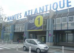 Aéroport de Nantes: l'Etat annonce un couvre-feu et l'allongement de la piste