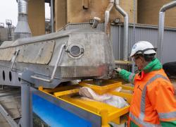 Le pari du stockage de carbone dans des granulats de béton recyclés