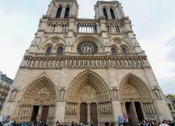 Notre-Dame: objectif d'une réouverture du parvis en mars