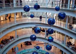 Le centre commercial Beaugrenelle à Paris autorisé par la justice à rouvrir