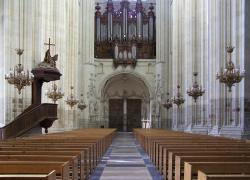 La cathédrale de Nantes incendiée, le grand orgue détruit