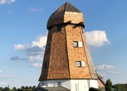 Eolienne biosourcée ou l'histoire d'un Moulin en chêne octogonal à Straelen