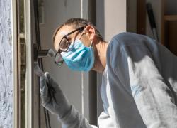 Couvre-feu : les artisans doivent porter leurs masques dans les lieux clos