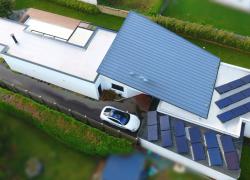Le breton Solaire Avantages pionnier en photovoltaïque avec stockage d'électricité