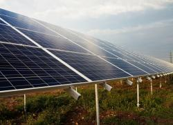 Solaire et éolien sources de l'électricité française: faisable sous conditions, selon l'AIE et RTE