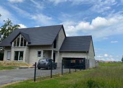 La construction de logements se redresse grâce aux maisons