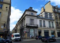 Un chantier de réhabilitation Quai Voltaire à Paris met à jour des trésors perdus