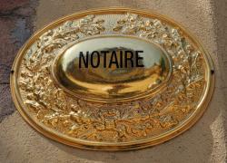 Le gouvernement ralentit le rythme des nouvelles installations de notaires