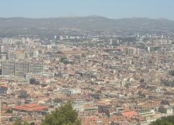 Marseille: 1,5 milliard d'euros pour les transports, la culture et la sécurité