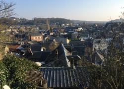 Macron annonce de nouvelles mesures pour revitaliser les villes moyennes