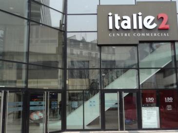 Un fonds d'Axa investit massivement dans des centres commerciaux parisiens