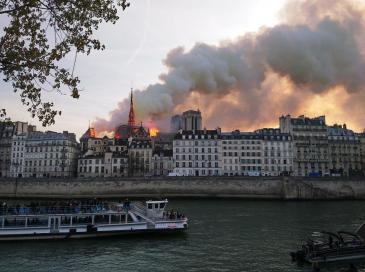 """Plomb à Notre-Dame: le chantier est """"totalement étanche"""""""