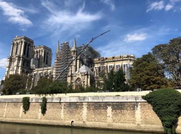 """Les propos du général Georgelin envers l'architecte de Notre-Dame """"pas acceptables"""""""