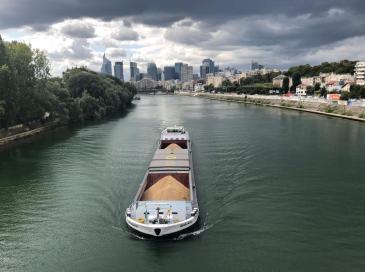 Transport fluvial : les matériaux surfent sur une croissance à deux chiffres