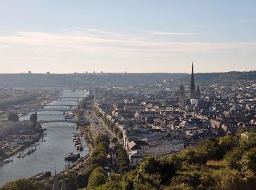 Amazon: recours contre un projet près de Rouen