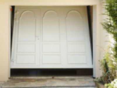 Safir m lodia aluminium portes de garage basculantes 14475p1 for Porte de garage safir