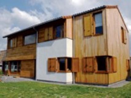 Maison bois : Construire en panneaux de bois massifs