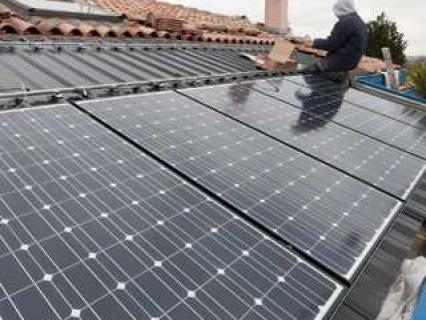 Panneaux PV intégrés en toiture : une pose dans les règles de l'Art