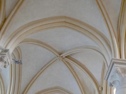 Une reproduction rare d'enduits à l'ancienne dans la Basilique de Vézelay