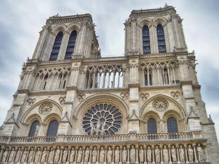 """Notre-Dame : le général Georgelin appelle à jouer collectif face à un """"immense défi"""""""