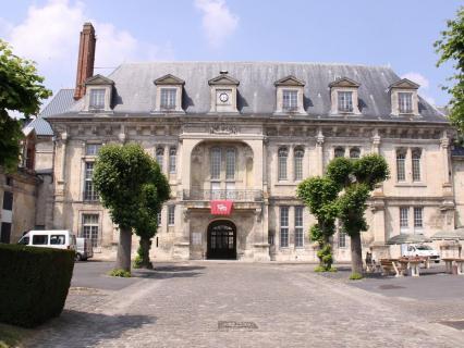 Château de Villers-Cotterêts: un chantier présidentiel qui fait débat